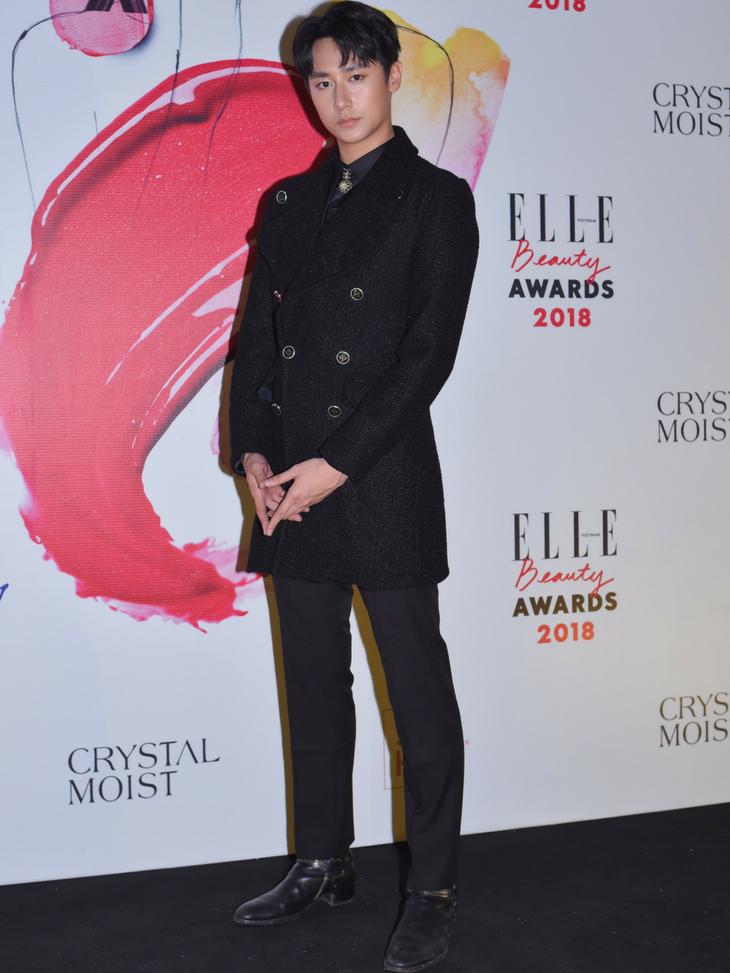 ELLE Beauty Awards 2018: Phạm Hương chiến thắng giải Best Hair of the Year