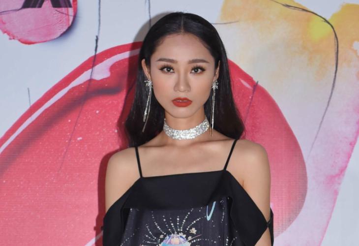 ELLE Beauty Awards 2018 phong cách trang điểm ấn tượng kẻ mắt đậm 4