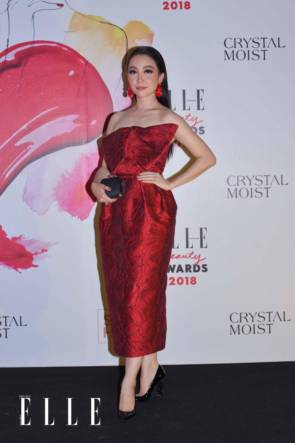 Elle Beauty Awards xu hướng làm đẹp nổi bật son bóng 5