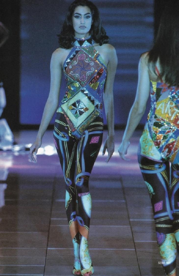 """Chiêm ngưỡng 21 thiết kế tuyệt đẹp của thương hiệu Versace trong """"American Crime"""""""