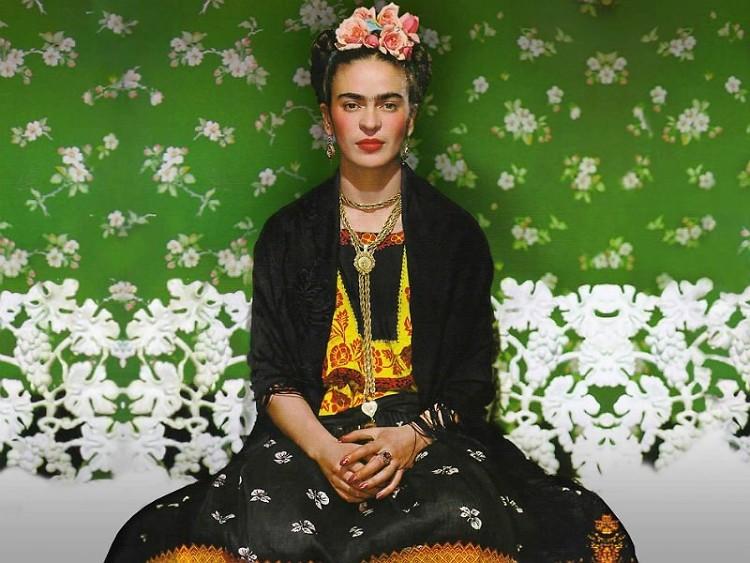 triển lãm thời trang: Frida Khlo's Wardrobe 1