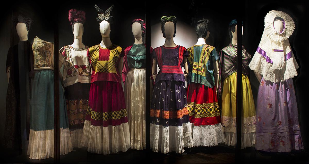 triển lãm thời trang: Frida Khlo's Wardrobe 2