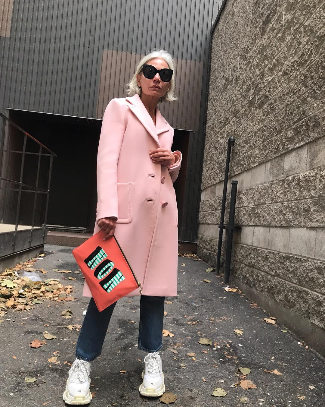 thời trang bất chấp tuổi tác của cụ bà tuổi 52 6