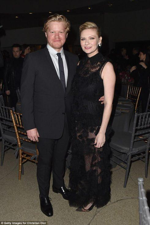 Nữ diễn viên Kristen Dunst xác nhận mang thai trong bộ ảnh mới của Rodarte