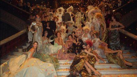 10 khoảnh khắc được ngưỡng vọng nhất trong lịch sử thời trang Haute Couture