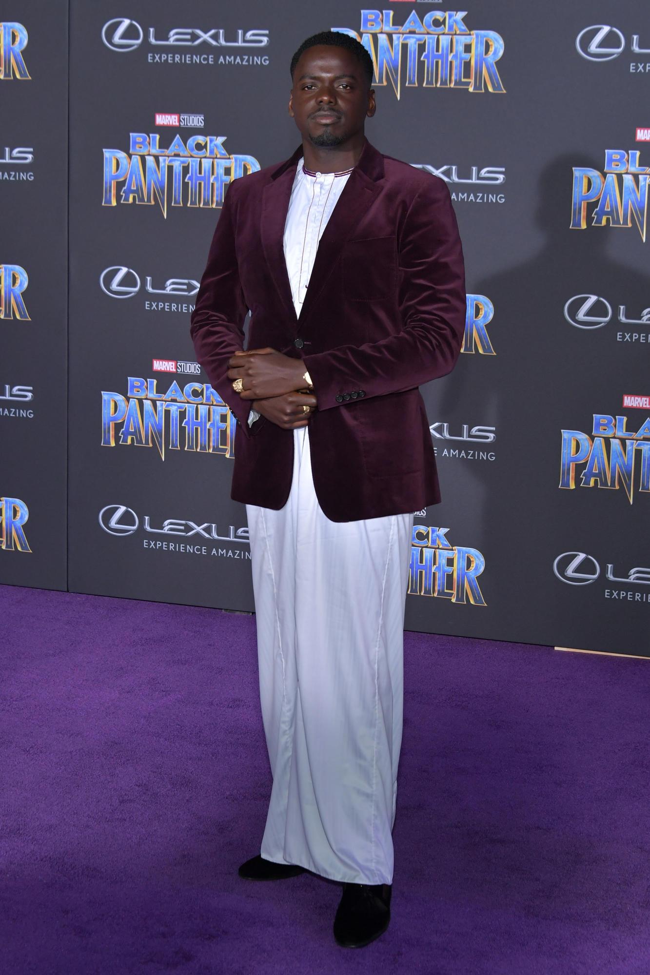 """Sao Black Panther trang phục """"quý tộc"""" tại buổi công chiếu phim 6"""