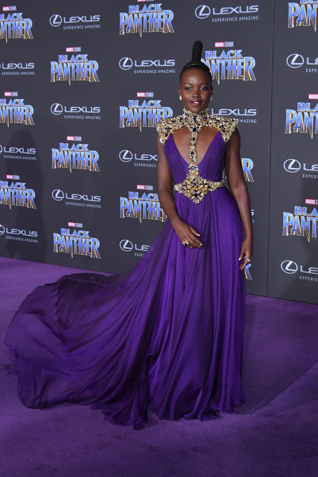 """Sao Black Panther trang phục """"quý tộc"""" tại buổi công chiếu phim 2"""