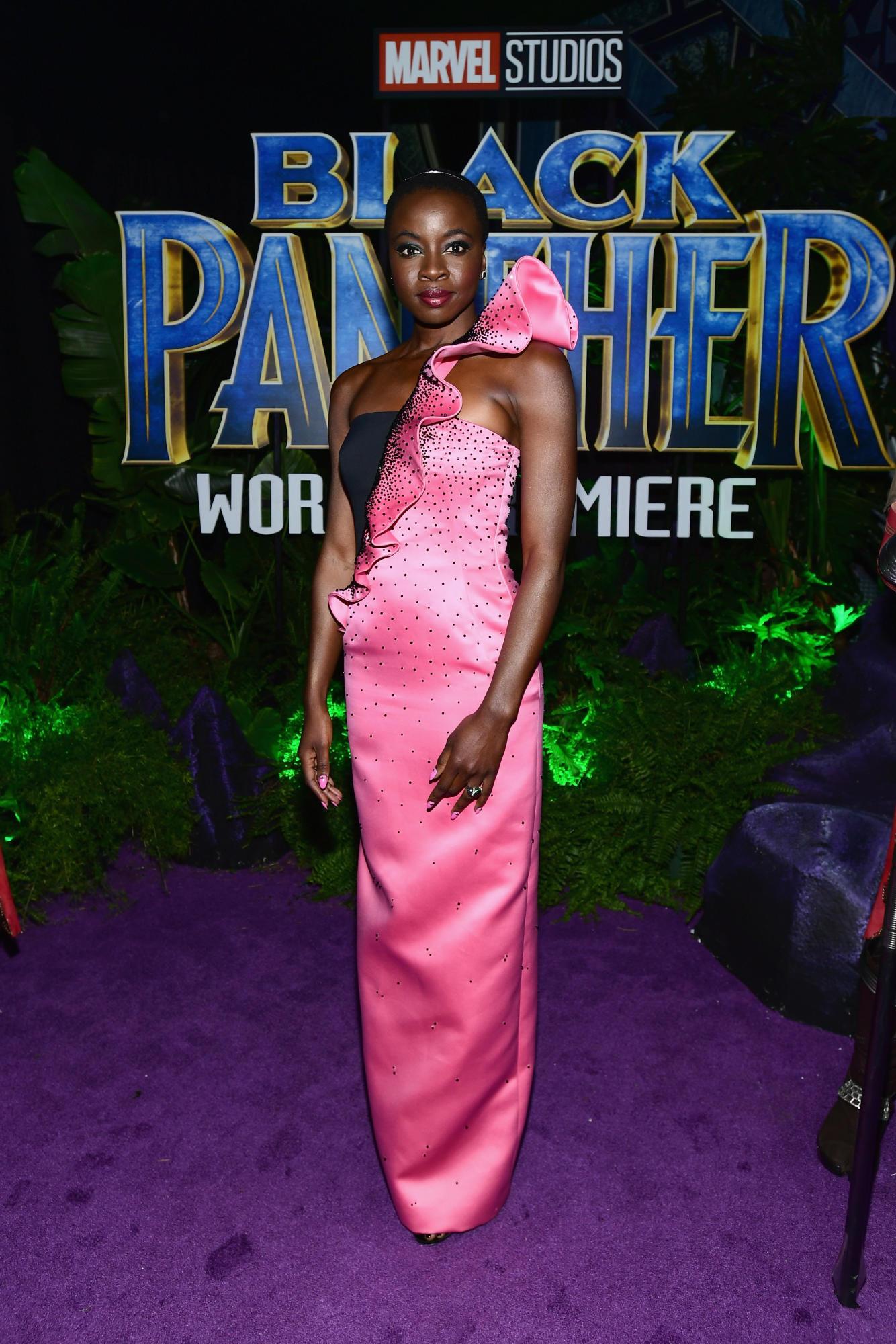 """Sao Black Panther trang phục """"quý tộc"""" tại buổi công chiếu phim 4"""
