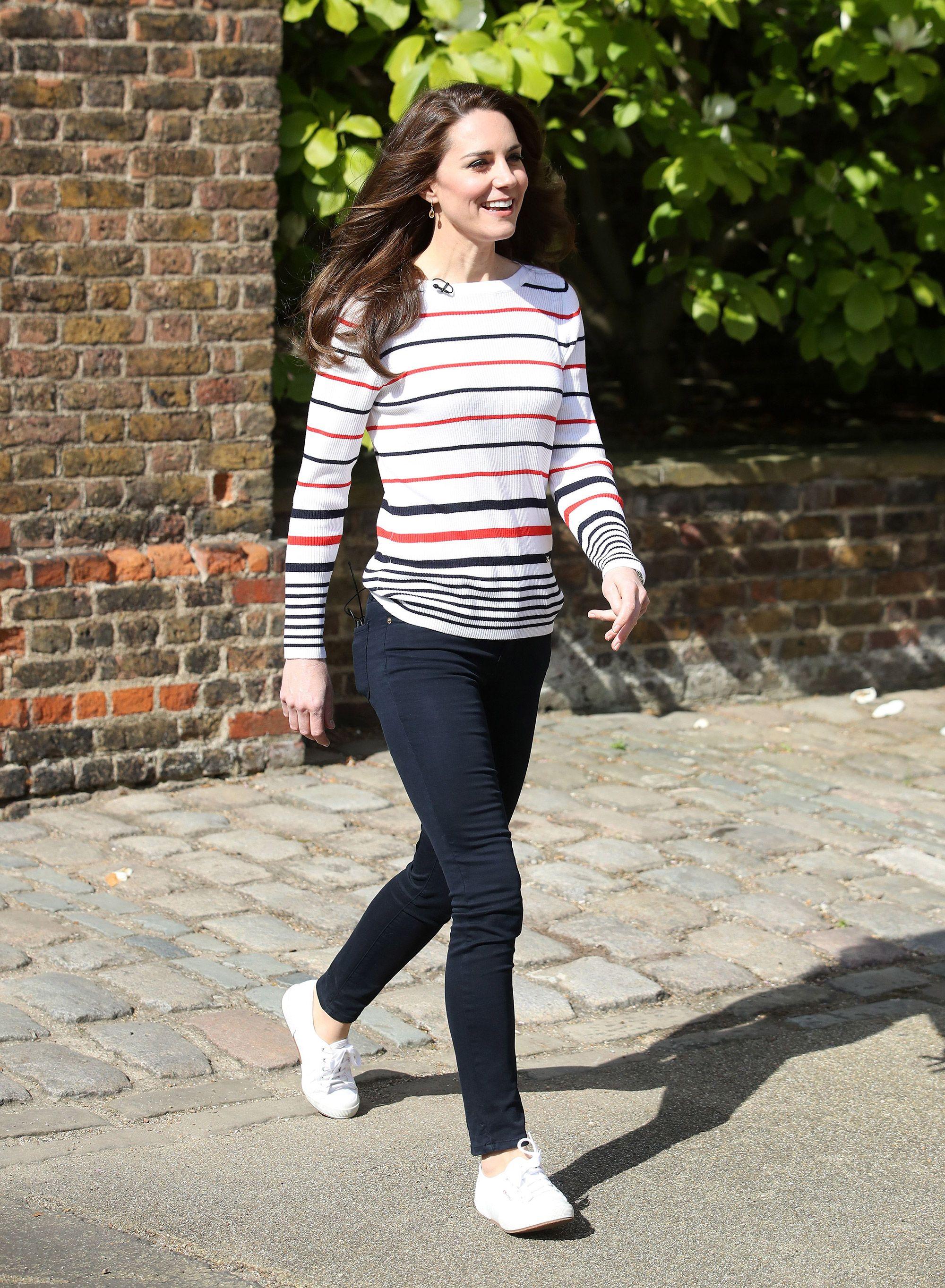 Chiêm ngưỡng 10 đôi giày Công nương Kate Middleton cưng chiều nhất