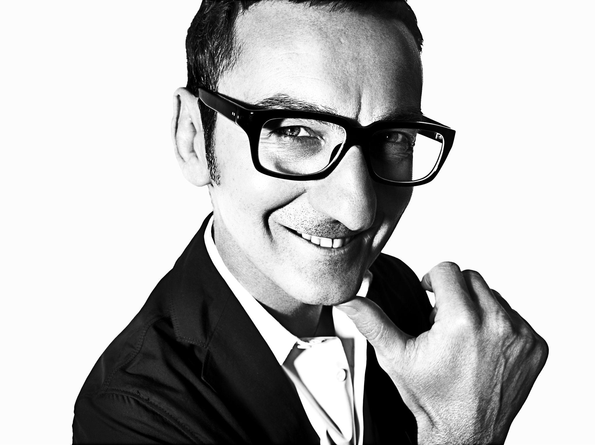 Giám đốc sáng tạo Bruno Frisoni rời khỏi thương hiệu Roger Vivier sau 16 năm gắn bó