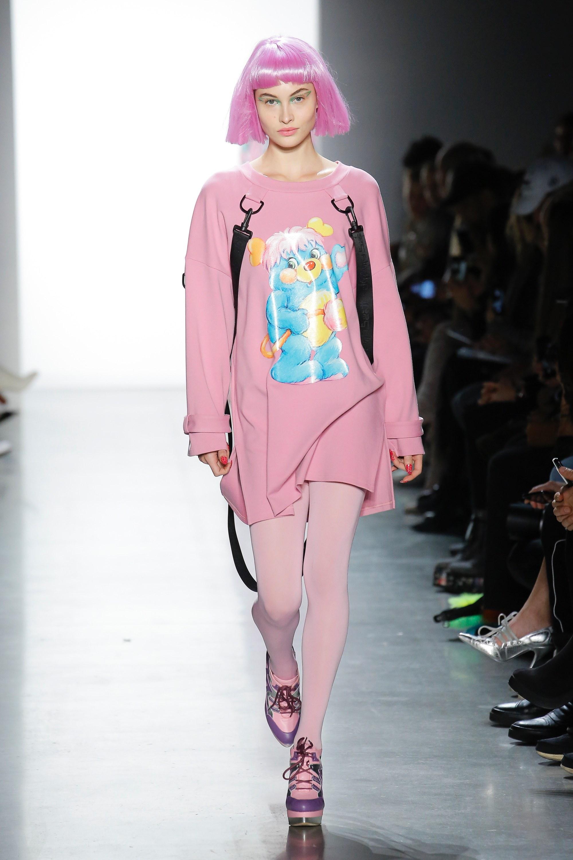Thương hiệu Jeremy Scott Ready-to-wear Thu-Đông 2018: Rực rỡ sắc màu viễn tưởng 17