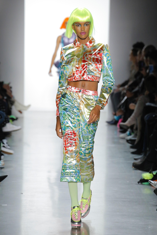 Thương hiệu Jeremy Scott Ready-to-wear Thu-Đông 2018: Rực rỡ sắc màu viễn tưởng 6