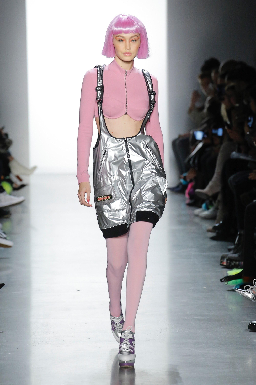 Thương hiệu Jeremy Scott Ready-to-wear Thu-Đông 2018: Rực rỡ sắc màu viễn tưởng 14
