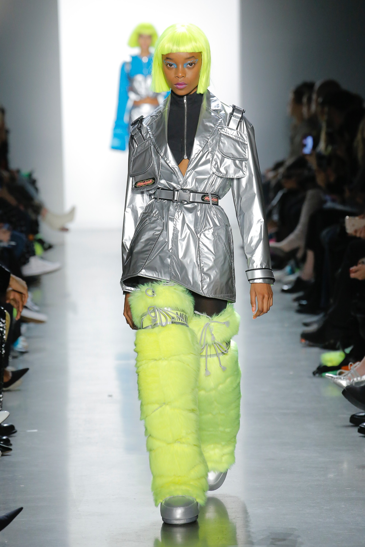 Thương hiệu Jeremy Scott Ready-to-wear Thu-Đông 2018: Rực rỡ sắc màu viễn tưởng 12