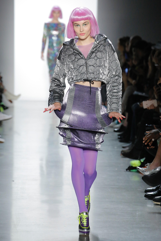 Thương hiệu Jeremy Scott Ready-to-wear Thu-Đông 2018: Rực rỡ sắc màu viễn tưởng 15