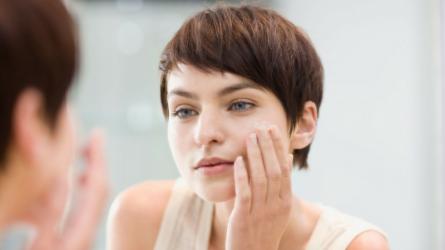 6 cách làm sạch da mặt sai lầm khiến nhan sắc bị đánh cắp