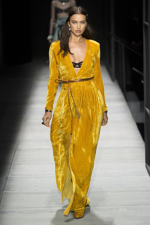 """Những người mẫu trẻ đang """"thống lĩnh"""" các sàn runway tại Tuần lễ thời trang New York 2018 18"""