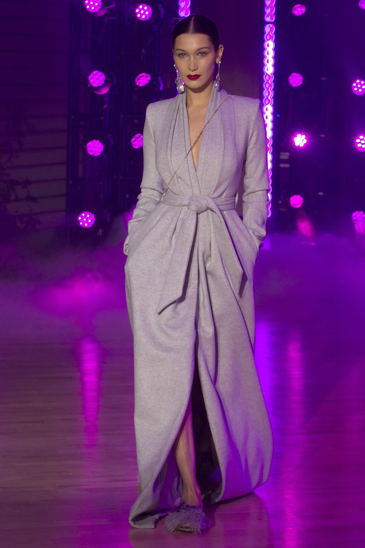 """Những người mẫu trẻ đang """"thống lĩnh"""" các sàn runway tại Tuần lễ thời trang New York 2018 9"""