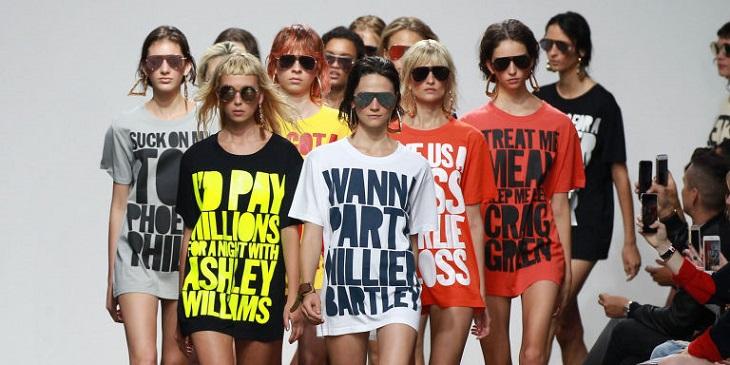 ELLE Việt Nam - Những chiếc áo thun slogan đã ra đời như thế nào trước khi bén rễ vào thời trang 2018 (5)