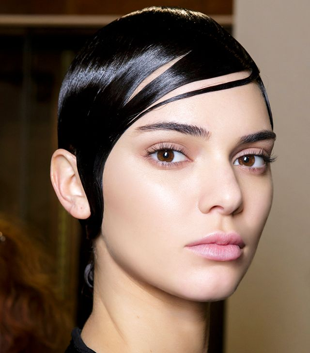 Cách chăm sóc da mặt hàng ngày như các siêu mẫu