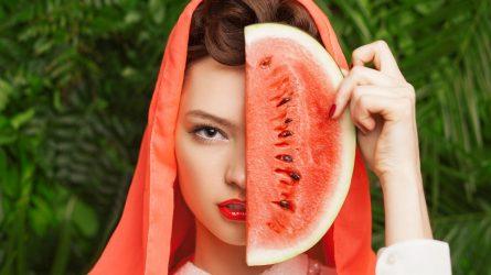 Dưa hấu - Thần dược chăm sóc da sau Tết