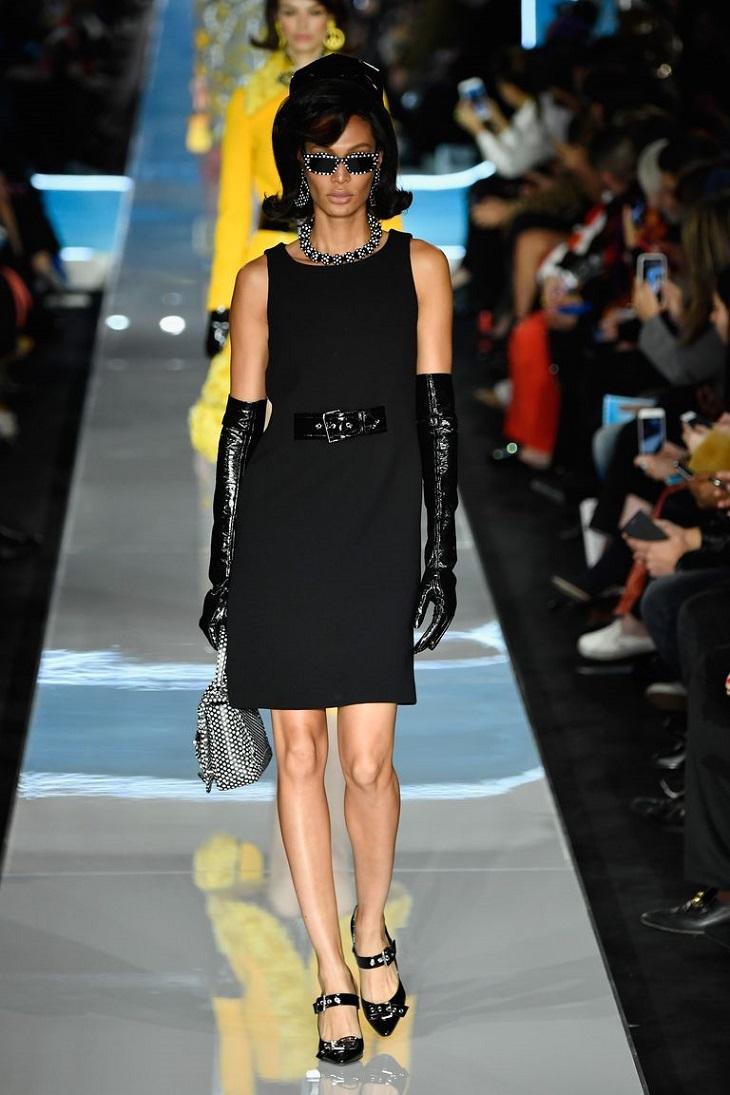 ELLE Việt Nam - Moschino nhân bản Jackie Kennedy tại sân khấu runway Milan Fashion Week 2018 (3)