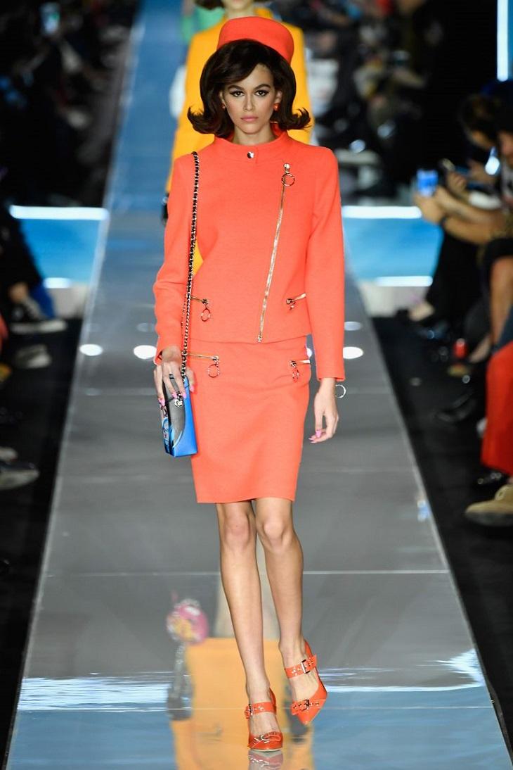 ELLE Việt Nam - Moschino nhân bản Jackie Kennedy tại sân khấu runway Milan Fashion Week 2018 (4)