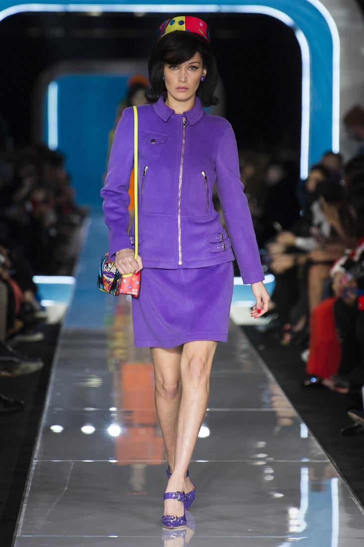 ELLE Việt Nam - Moschino nhân bản Jackie Kennedy tại sân khấu runway Milan Fashion Week 2018 (6)