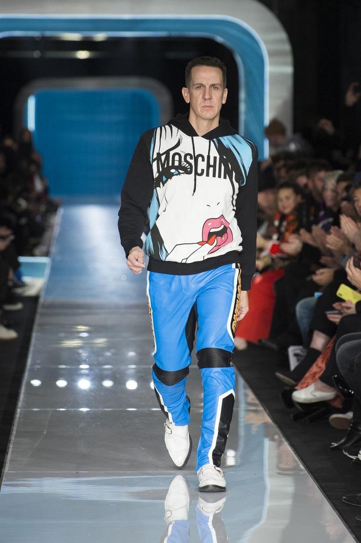 ELLE Việt Nam - Moschino nhân bản Jackie Kennedy tại sân khấu runway Milan Fashion Week 2018 (7)