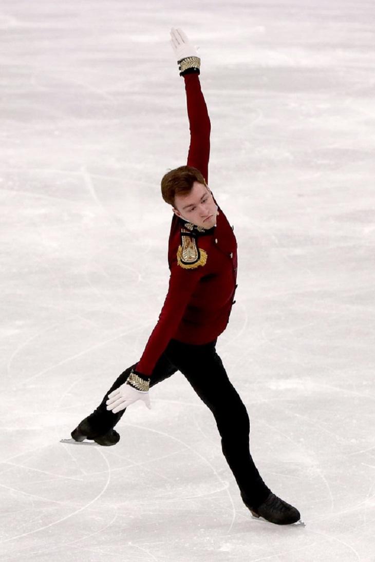 """ELLE Việt Nam - Những bộ cánh trượt băng tại Olympics 2018 chứng tỏ sân băng là """"sàn runway trắng"""" (3)"""