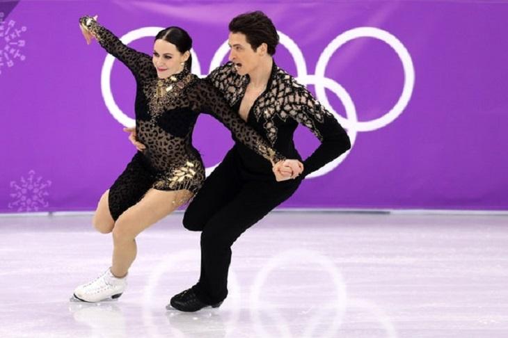 """ELLE Việt Nam - Những bộ cánh trượt băng tại Olympics 2018 chứng tỏ sân băng là """"sàn runway trắng"""" (5)"""