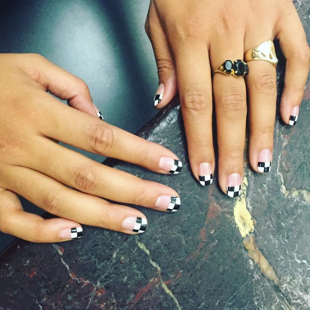 mẫu sơn móng tay đẹp kiểu Pháp 10