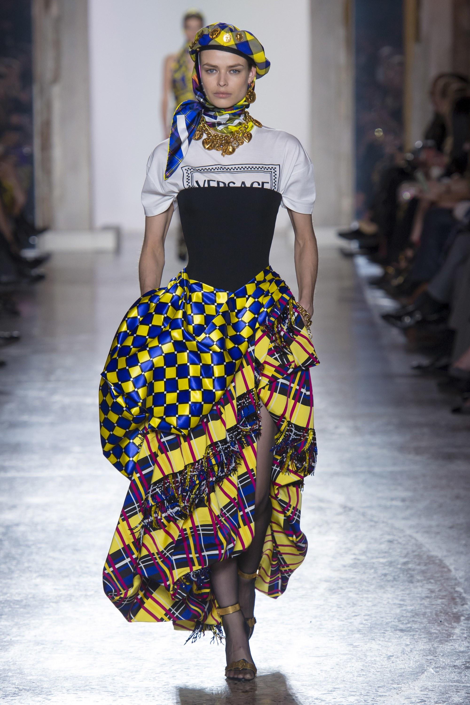 Thương hiệu Versace Thu-Đông 2018 13