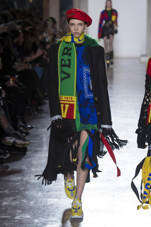 Thương hiệu Versace Thu-Đông 2018 4