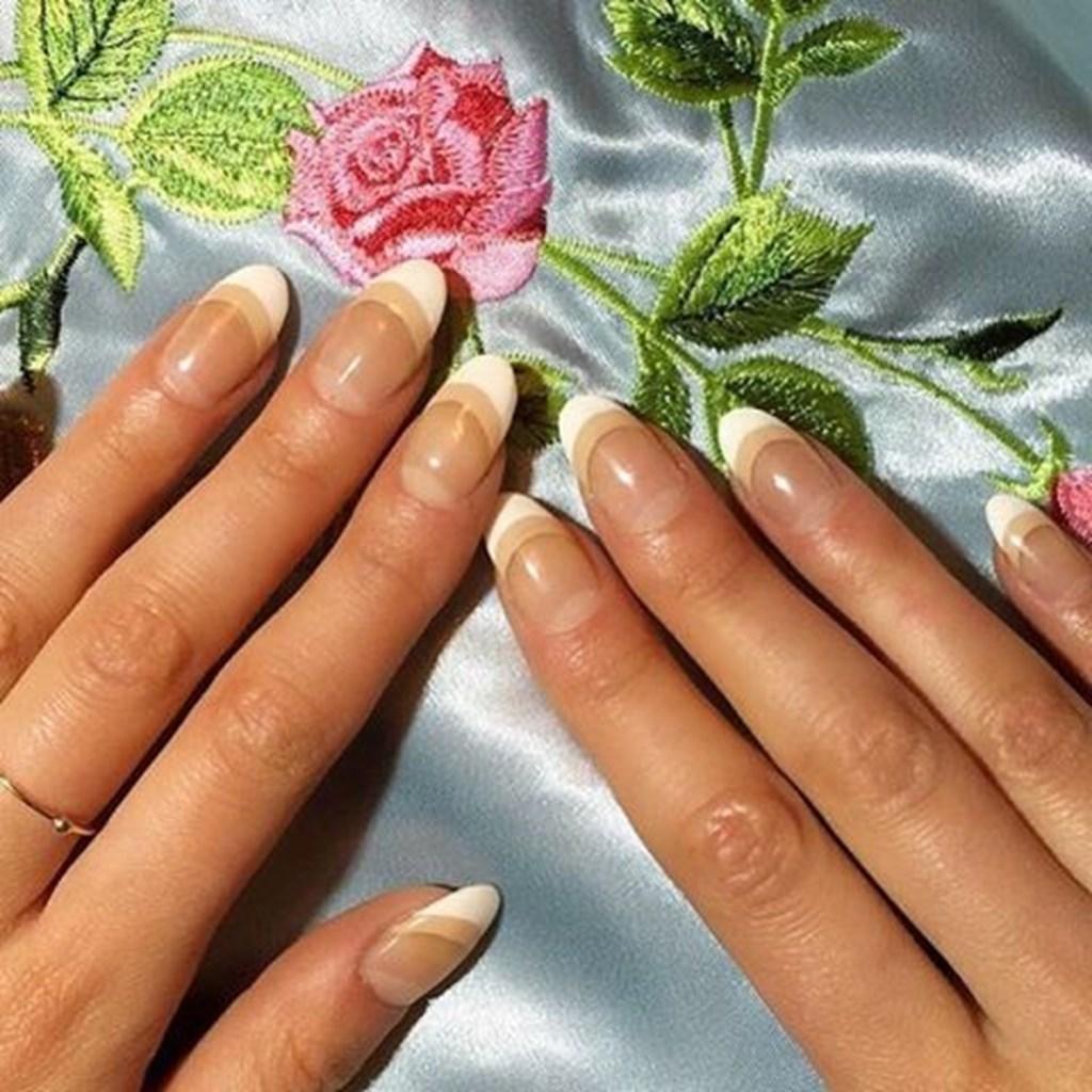 mẫu sơn móng tay đẹp kiểu Pháp 2