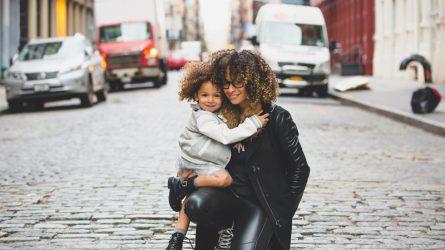 Vì đâu mà mẹ và con gái lại trở nên thân thiết đến thế?