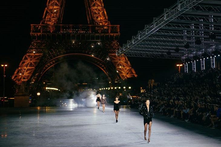 ELLE Việt Nam - Những khoảnh khắc thời trang chỉ có tại mùa ThuĐông 2018 tại Paris Fashion Week (3)