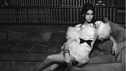 Kaia Gerber trở thành nàng thơ mới của Chanel trong bộ ảnh quảng cáo túi xách 2018
