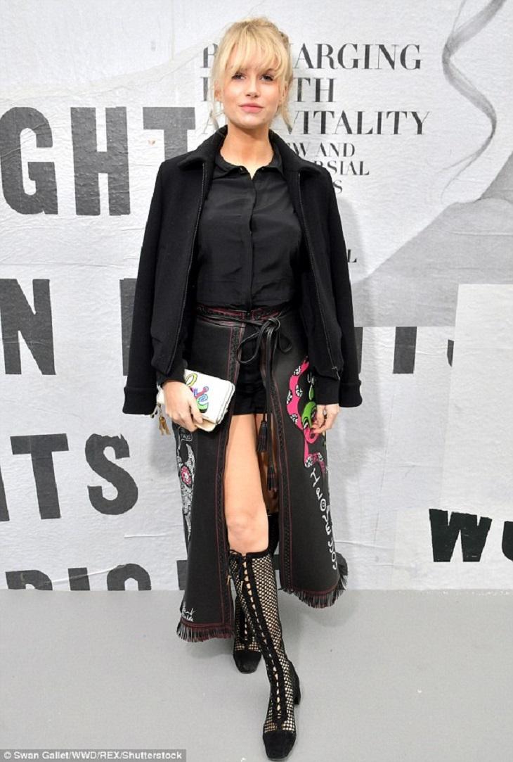 ELLE Việt Nam - Thời trang đẳng cấp lấn át dàn khách mời của Cara Delevingne trong ngày trở lại Dior (17)