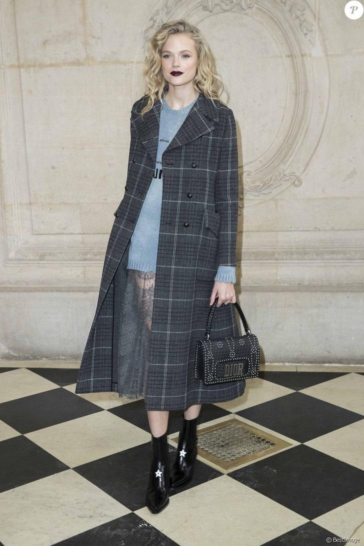 ELLE Việt Nam - Thời trang đẳng cấp lấn át dàn khách mời của Cara Delevingne trong ngày trở lại Dior (3)
