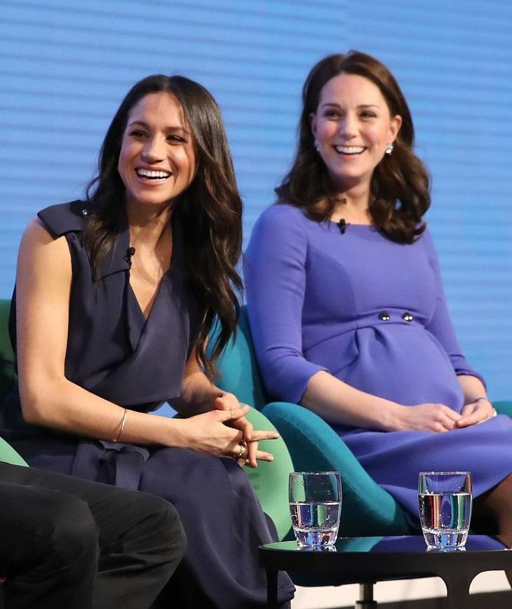 """Công nương Kate và Meghan Markle """"đụng"""" váy áo trong sự kiện mới nhất"""