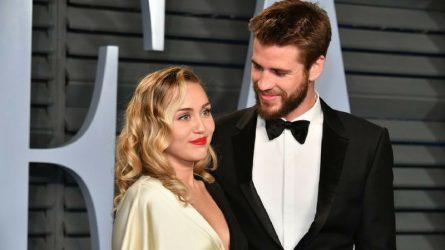 Miley Cyrus và Liam Hemsworth tái hiện tấm ảnh biểu tượng tại bữa tiệc hậu Oscar 2018