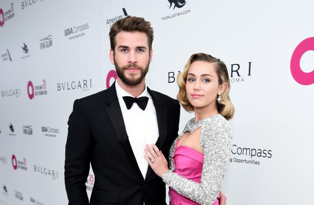 tóc ngắn Miley Cyrus và Liam Hemsworth