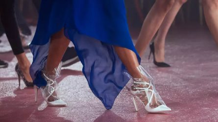 Từ Naomi Campbell đến Bella Hadid đều yêu những đôi giày Jimmy Choo hợp tác với Off-White
