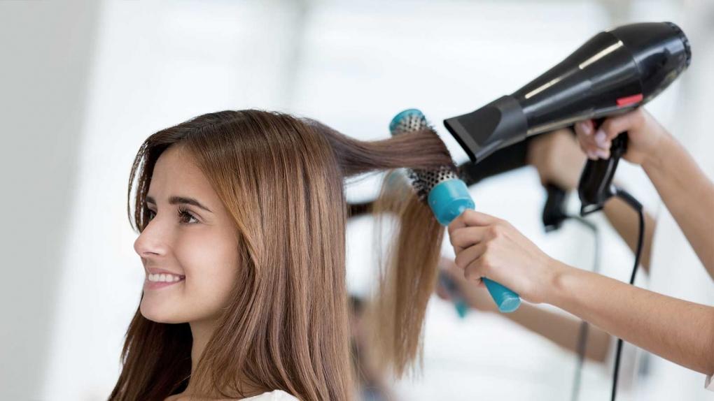 Cách làm tóc thẳng tại nhà không dùng nhiệt