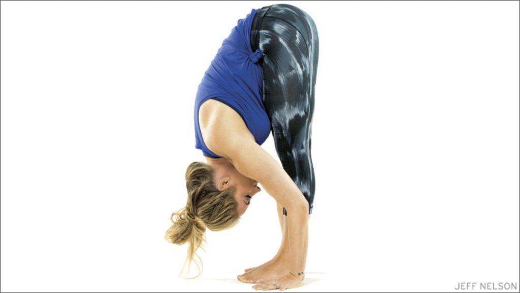 bài tập yoga trị đau mỏi vai gáy 4