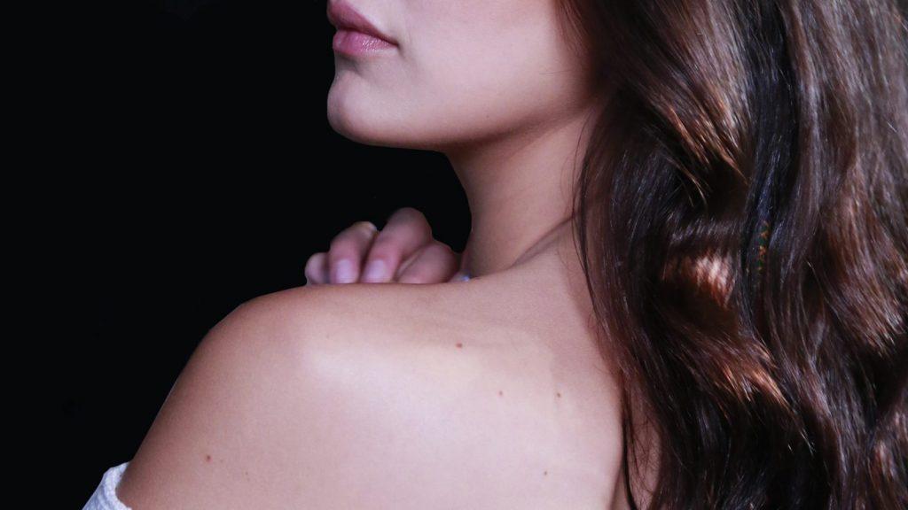 Cách trị mụn lưng giúp nàng khoe trọn tấm lưng ong quyến rũ