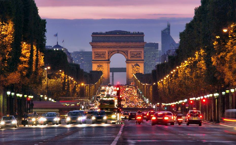 du lịch paris mua sắm mỹ phẩm Champs Elysée