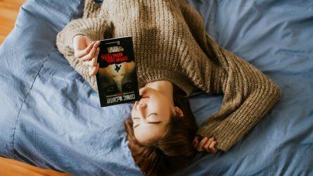 Bạn có từng nghĩ đến việc sẽ đọc sách trước khi ngủ?