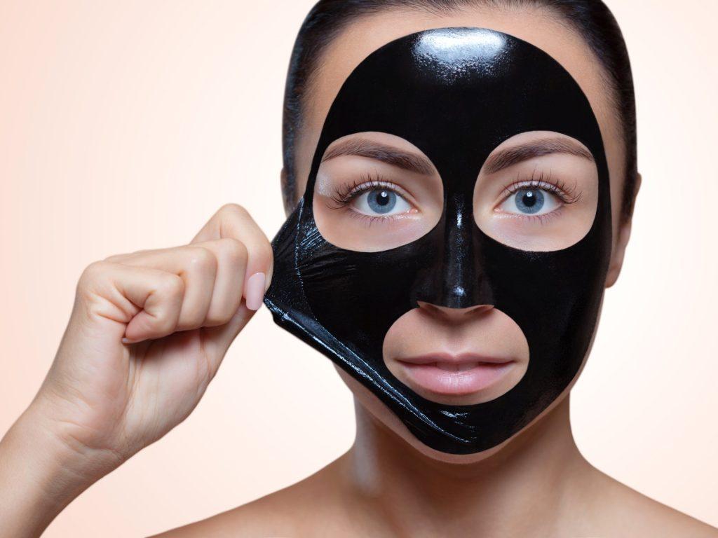 4 bí quyết chăm sóc da mặt đang gây tranh cãi trong giới làm đẹp
